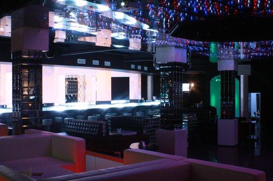 Platinum: The disco floor