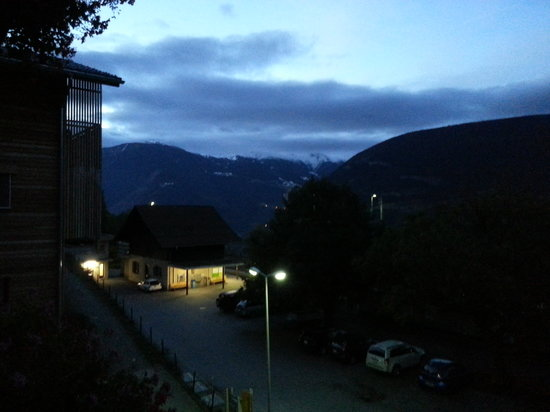 Hotel Bahnhof : Morning View