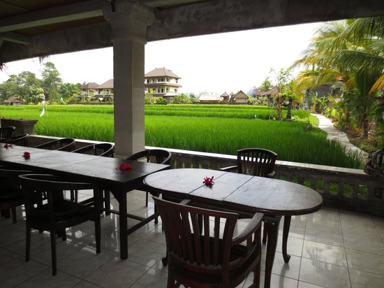 Ina Inn Bungalows: Dining Room