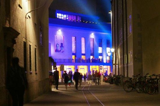 Großes Festspielhaus: Lit up at night