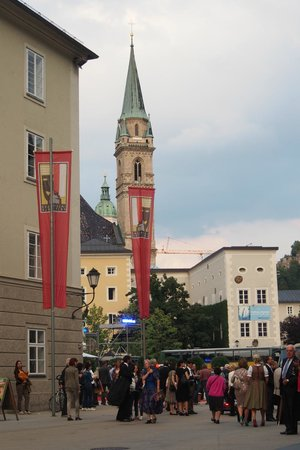Großes Festspielhaus: A view from the street after the concert