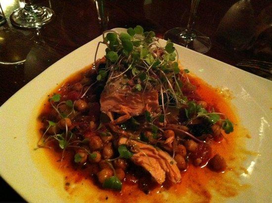 Marion's Bistro: Salmon