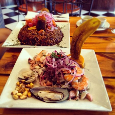 Perurican Restaurant: tacus tacus y ceviche