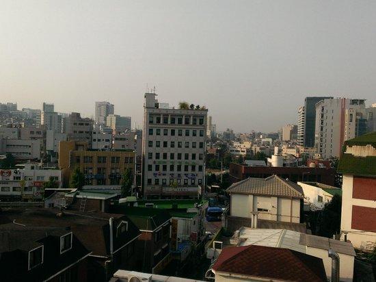 Boa travel house: 屋上からの眺めです。夜景もきれいだそうです。
