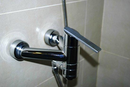 TTC Hotel Premium - Ngoc Lan : it sticks out 18 inches!