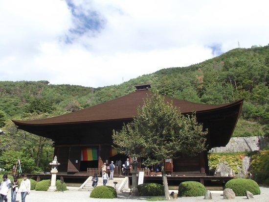 Daiszenji Temple : 本  堂