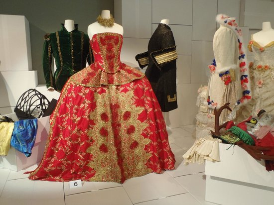 Textilmuseum: Royal Dress
