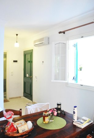 Alkyon Apartments & Villas Hotel: main room