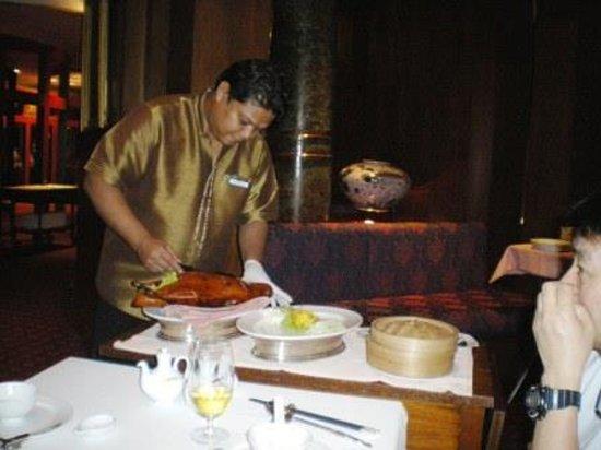 The Royal Paradise Hotel & Spa: ロイヤルキッチンにて