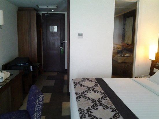 Sun Island Hotel & Spa Kuta: room