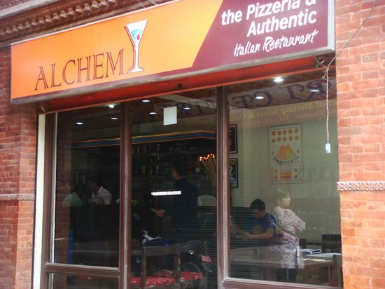 Alchemy Pizzeria and Authentic Italian Restaurant, Nepal: Small but well-run.