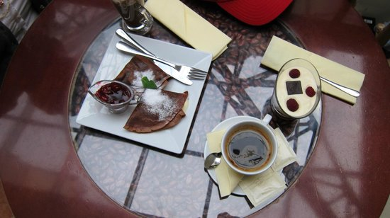 E.Wedel Chocolate Lounge at Cracow Rynek Street: Wedel Cafe