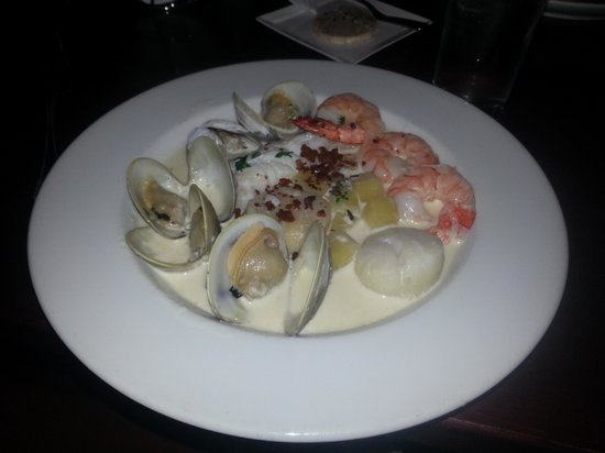 Chez Mike: Seafood Chowder