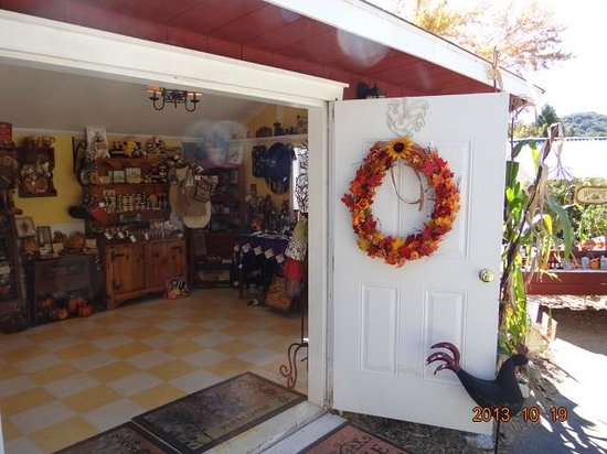Willowbrook Farm: Gift Store
