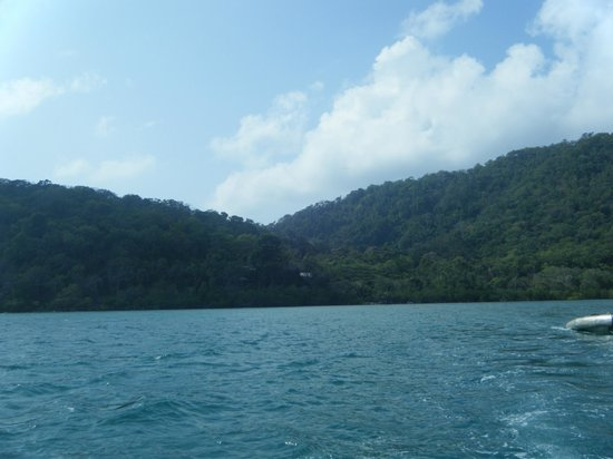 Bloomfield Lodge: view from the boat when arriving