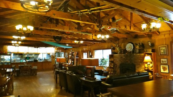 Yosemite Bug Rustic Mountain Resort: cafe