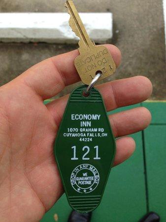 Economy Inn : Wow - they still use keys....