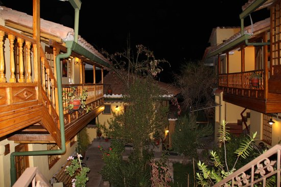 Amaru Colonial : Cour by night