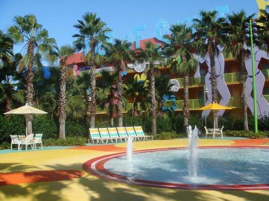 Disney's Pop Century Resort: Uma das várias piscinas