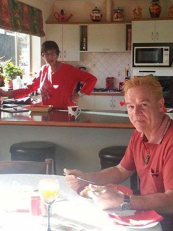 Riverview B & B Taupo : Bonnie & breakfast!