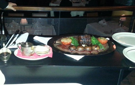 El Gaucho: Serving the Chateaubriand