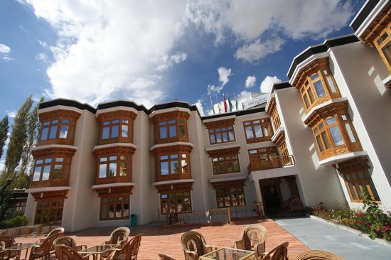 Hotel Glacier View