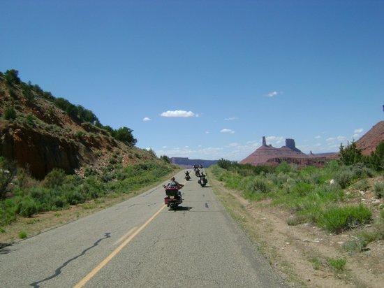 Big Shots Motorcycle Tours- Day Tours: Southern Utah Motorcycle Tour
