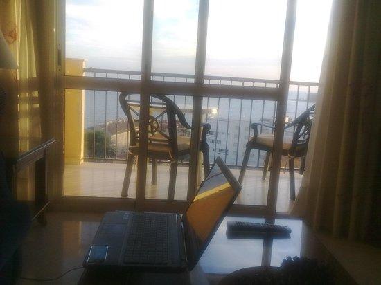 Apartamentos Don Gustavo: la oficina