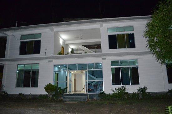 Kaziranga Florican Lodge: outside view.