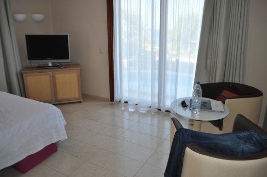 Ikaros Beach Resort & Spa: Wohnzimmer 766