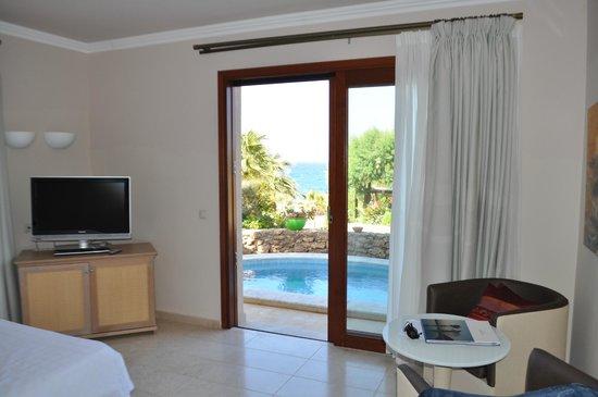 Ikaros Beach Resort & Spa: Wohnzimmer mit Pool 766