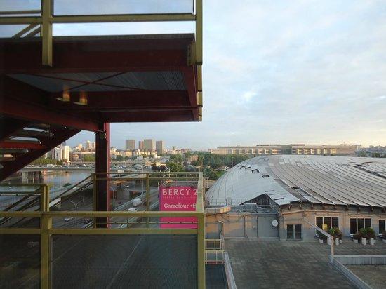 Ibis Styles Paris Bercy: Крыша торгового центра.