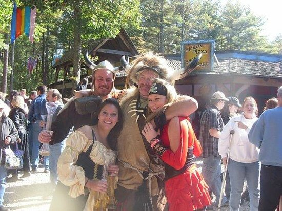 King Richard's Faire: Great outfits!