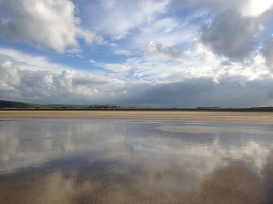 Saunton Sands Beach : Deserted in October.