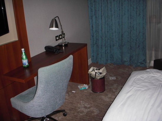 Holiday Inn Nice: 始めに提供され未清掃の部屋