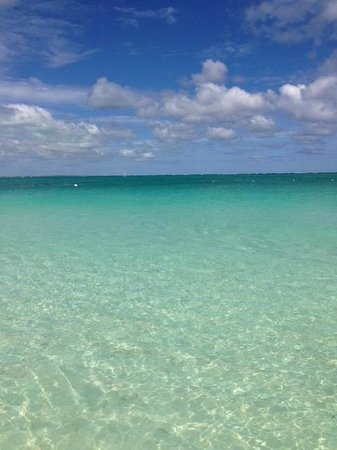 The Sands at Grace Bay: Beautiful clear water