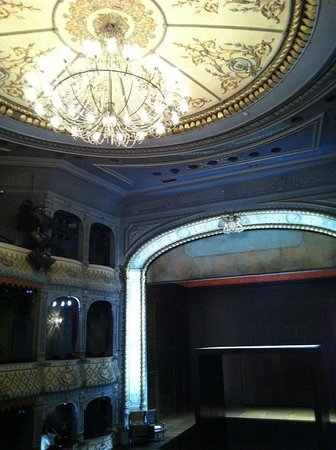 The Old Vic: interiour theater