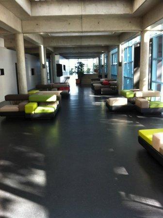 Geneva Hostel : Space in front of reception