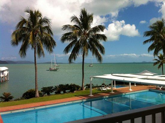 Coral Sea Resort: Pool Area