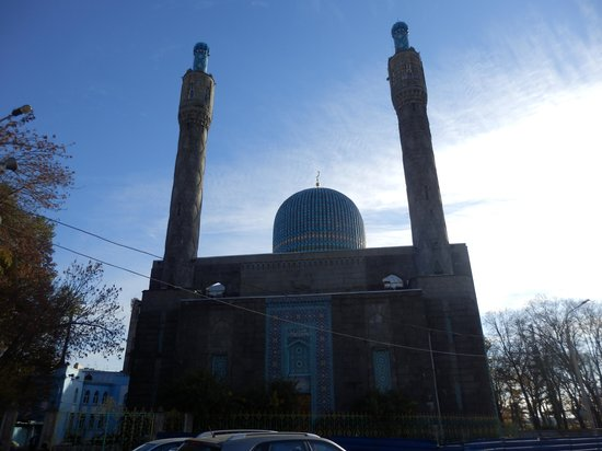 The Great Mosque of St. Petersburg: From outside