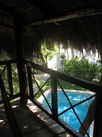 Uolis Nah : Widok z tarasu na basen