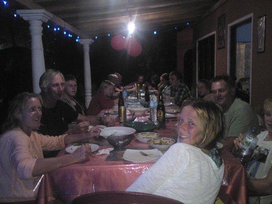 Plantation Surf Inn: big dinner with sri lankan punch