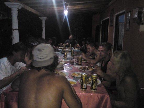 Plantation Surf Inn: big dinner night with plantation members