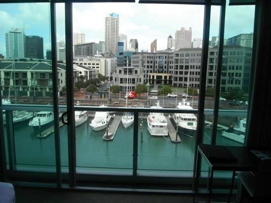 Sofitel Auckland Viaduct Harbour: balcony