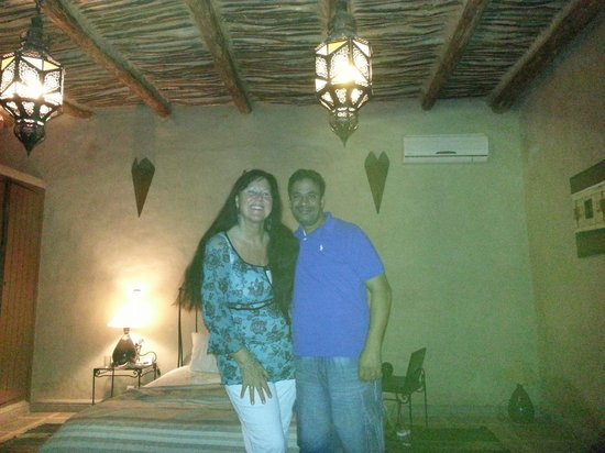 Riad Ain Khadra: Our room, diffrent styles in diffrent rooms.