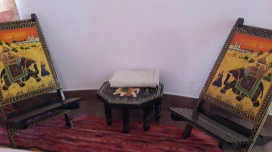 Amrutham Hotel : Traditional way of seating
