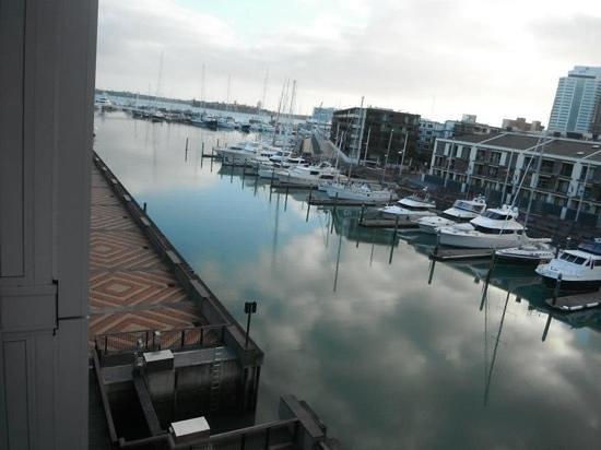 Sofitel Auckland Viaduct Harbour: luxury marina view room
