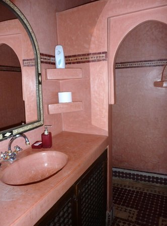 Riad Bab Agnaou : salle de bains
