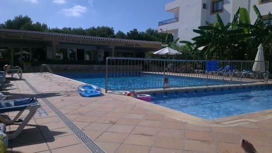Apartamentos Casa Luis: the pool