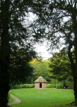 Claremont Landscape Garden: The Thatched Cottage